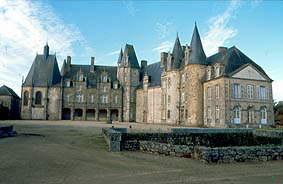Le château du Rocher à Mézangers