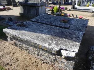 St Denis d'Anjou, cimetière