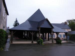 St Denis d'Anjou, halles après 01