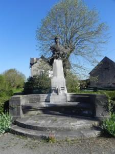 Monument Villebois Mareuil (1)
