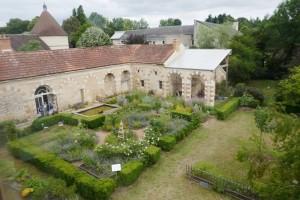 1-Tuffé abbaye cloitre (6)
