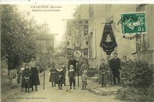 Champéon, bannières paroisse