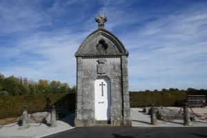 Beaulieu sur Oudon, chapelle funéraire de la Sayette 01