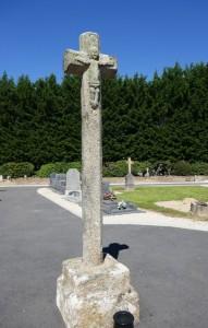 Brûlatte (la)croix du cimetière